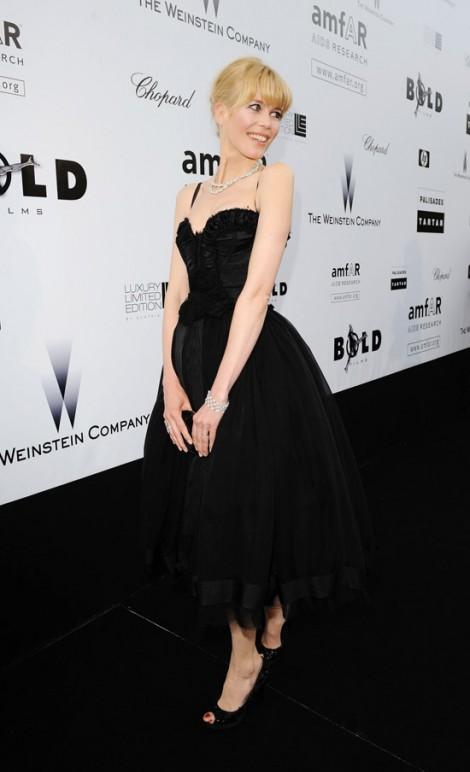 cannes claudia schiffer 470x772 Tie najlepšie šaty z festivalu Cannes 2009