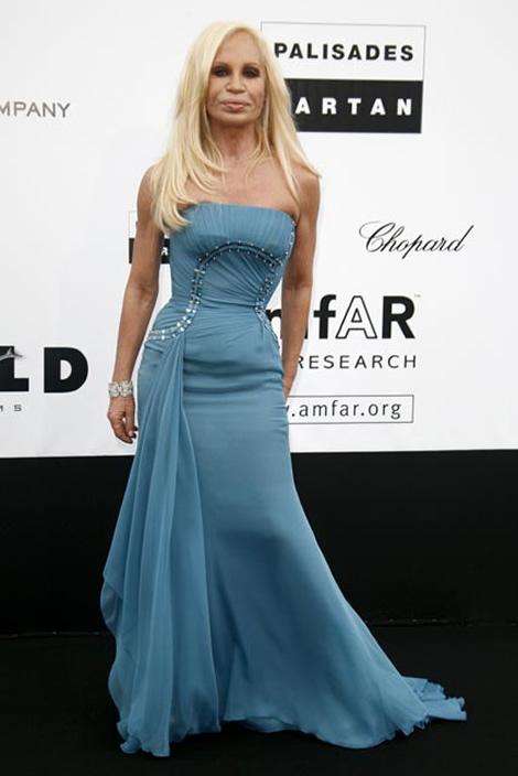 cannes donatella versace Tie najlepšie šaty z festivalu Cannes 2009