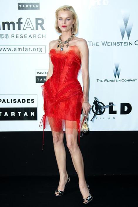 cannes eva herzigova dolce gabbana Tie najlepšie šaty z festivalu Cannes 2009
