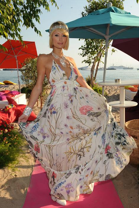 cannes paris hilton 02 Tie najlepšie šaty z festivalu Cannes 2009