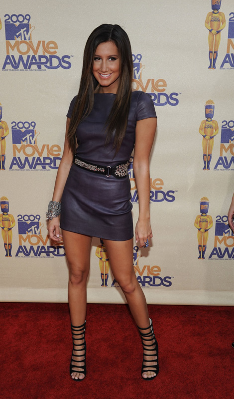 mtv movie awards ashley tisdale MTV Movie Awards 2009: Minišaty, dobrý look, preklepy a Bruno ako bonus