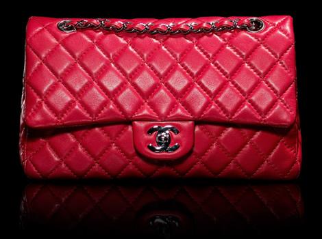 Chanel Classic Flap v červenej.