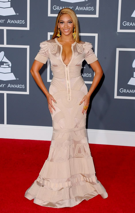 grammy awards 2010 beyonce 01 Grammy Awards 2010: Lady Gaga šokuje, Viktor & Rolf boduje