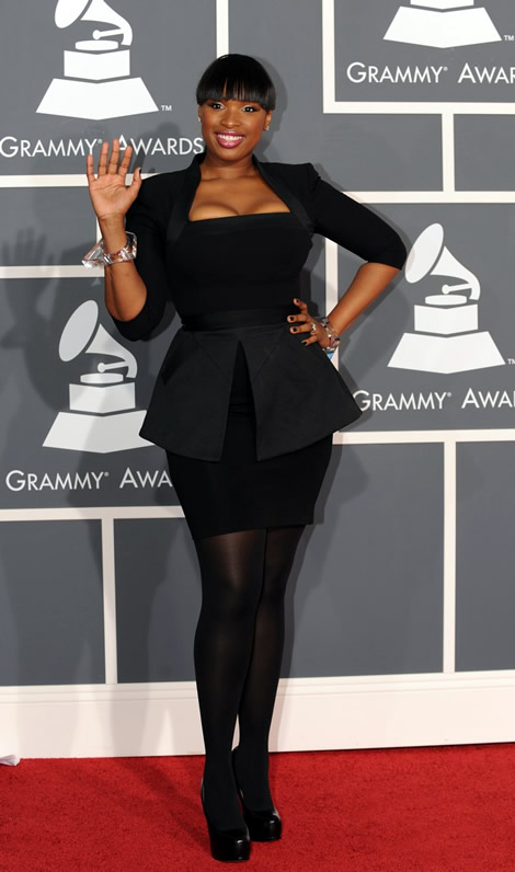 grammy awards 2010 jennifer hudson 01 Grammy Awards 2010: Lady Gaga šokuje, Viktor & Rolf boduje