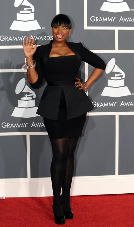 grammy awards 2010 jennifer hudson 01 Grammy Awards 2010: Lady Gaga šokuje, Viktor & Rolf boduje