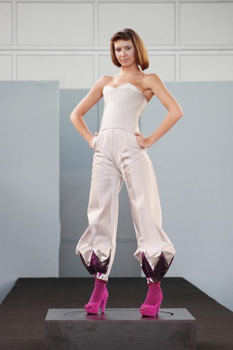 fa343 hrca 01 Fashion Atelier 343 predviedol tvorbu našich bakalárov a diplomantov VŠVU