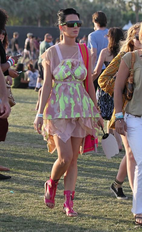 katy coachella 03 Emma Watson a Katy Perry: Oblečené na festival v značke Louis Vuitton