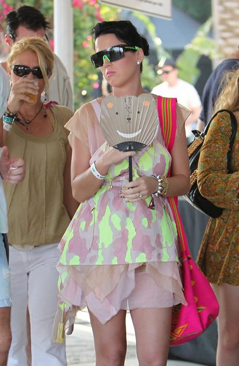 katy coachella 04 Emma Watson a Katy Perry: Oblečené na festival v značke Louis Vuitton