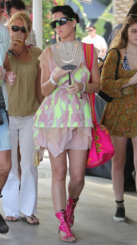 katy coachella 05 Emma Watson a Katy Perry: Oblečené na festival v značke Louis Vuitton