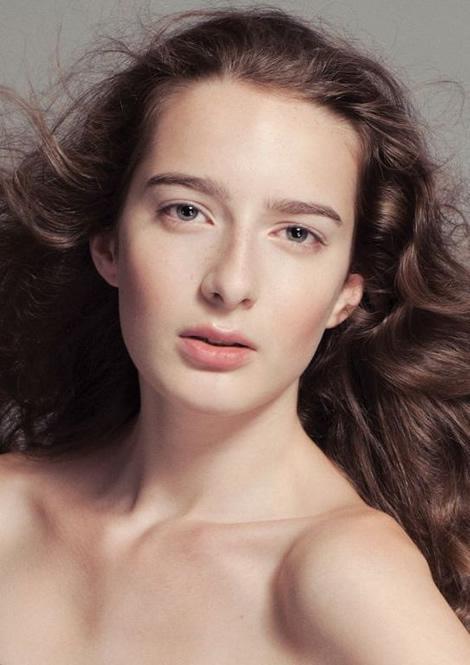 Laura R Elite Model Look 2010 má svoje finalistky pre Slovenské a České kolo