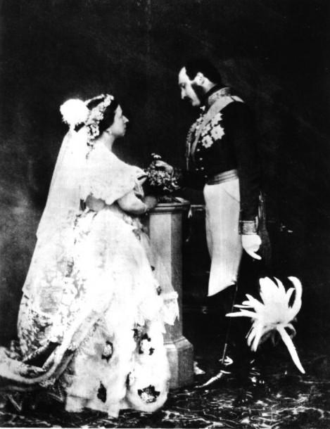 queen victoria 01 469x610 Príbeh svadobných šiat, 1. časť: Kráľovná Viktória a jej biela revolúcia