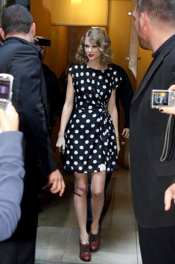 03 Taylor Swift vie byť nekonečne rozkošná