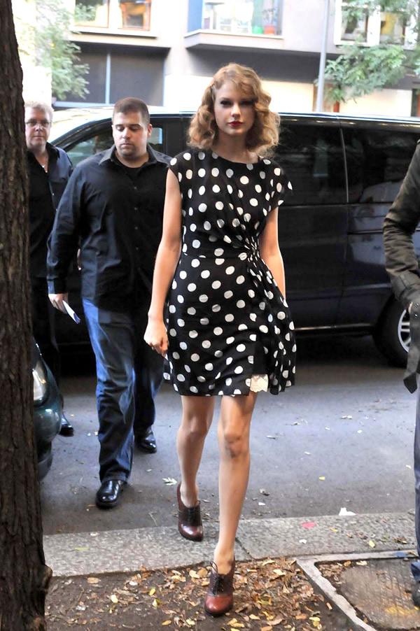 04 Taylor Swift vie byť nekonečne rozkošná