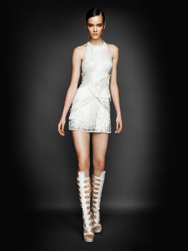 Atlier2010P1Versace7 Ďalšie jesenné potešenie očí od Atelier Versace 2011