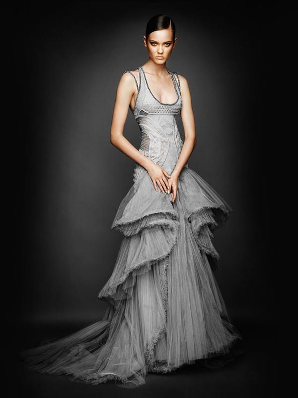 Atlier2010P2Versace10 Ďalšie jesenné potešenie očí od Atelier Versace 2011