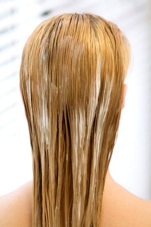 kondicioner Tip dňa: Mastiace sa vlasy z kondicionéru
