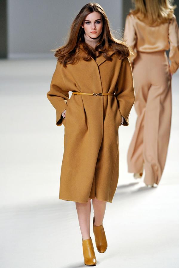 chloe 01 Kabát v štýle camel coat: Ešte ho nemáte?