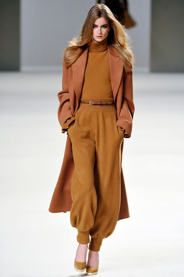 chloe 03 Kabát v štýle camel coat: Ešte ho nemáte?