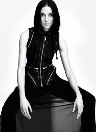 givenchycampaign3 Kampane tejto sezóny, 2. časť: Gucci, Bottega Veneta, Christian Dior, Givenchy