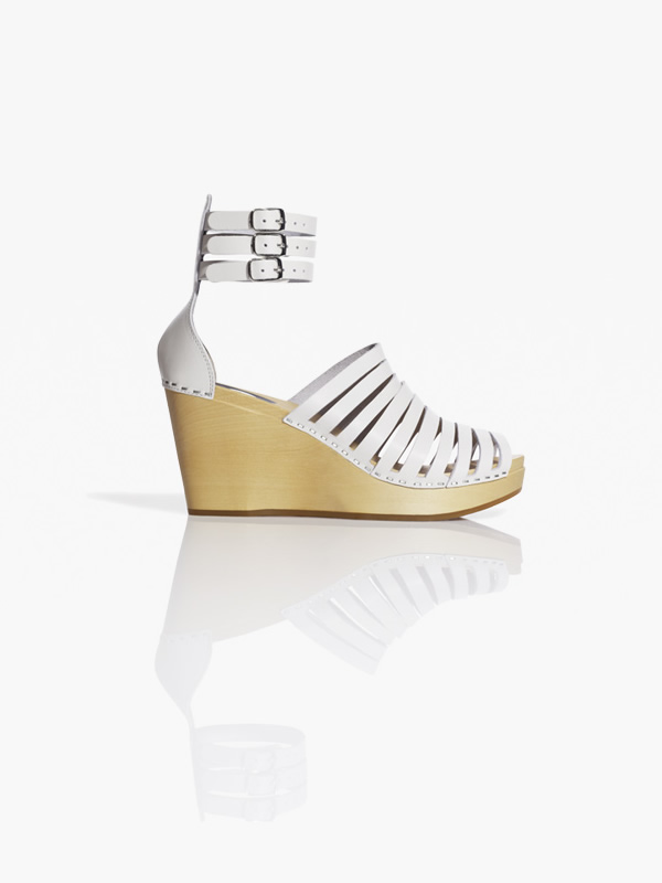 shoe hm colab 5 Švédske dreváky, Valentínska kolekcia a recyklovaný Lanvin v H&M