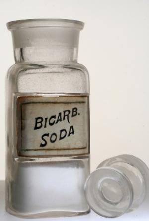 soda bikarbona Päť dôvodov, prečo zobrať sódu bikarbónu z kuchyne do kúpeľne