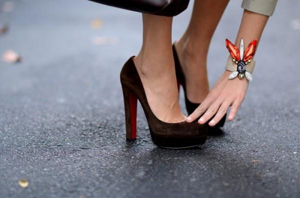 brown suade shoes 600x397 Semiš, nubuk a starostlivosť o brúsenú kožu