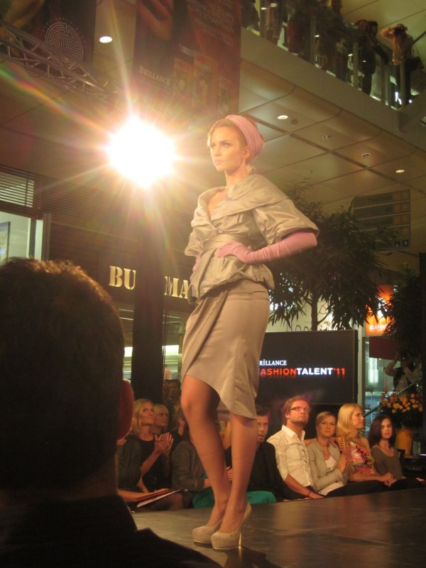 50te 600x800 Brillance Fashion Talent 2011: A tma ho nepohltila