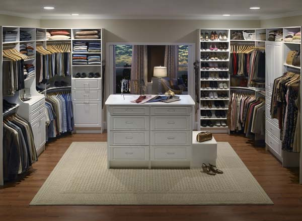 Walk in closets 10 33 inšpirácií a 11 tipov, ako by mal vyzerať váš vysnívaný a ideálny šatník