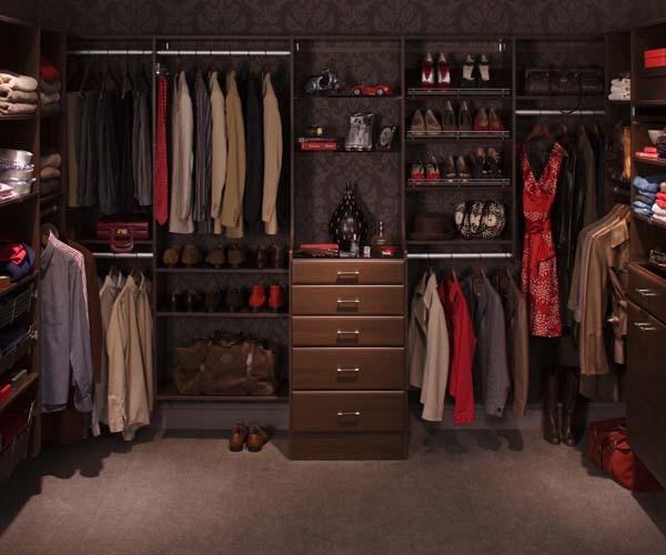Walk in closets 12 33 inšpirácií a 11 tipov, ako by mal vyzerať váš vysnívaný a ideálny šatník