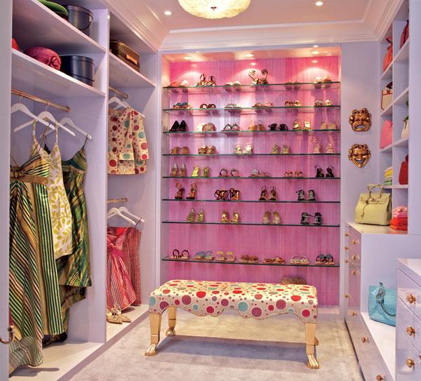 Walk in closets 13 33 inšpirácií a 11 tipov, ako by mal vyzerať váš vysnívaný a ideálny šatník