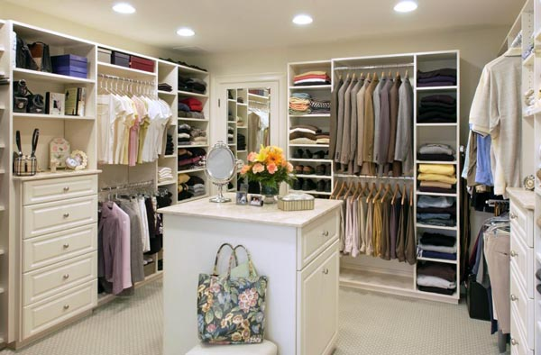 Walk in closets 14 33 inšpirácií a 11 tipov, ako by mal vyzerať váš vysnívaný a ideálny šatník