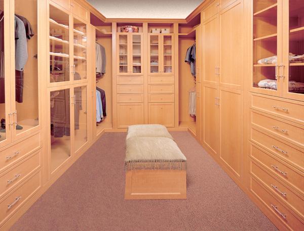 Walk in closets 24 33 inšpirácií a 11 tipov, ako by mal vyzerať váš vysnívaný a ideálny šatník