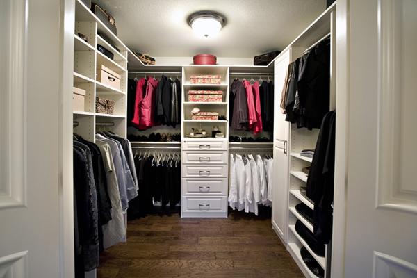 Walk in closets 27 33 inšpirácií a 11 tipov, ako by mal vyzerať váš vysnívaný a ideálny šatník