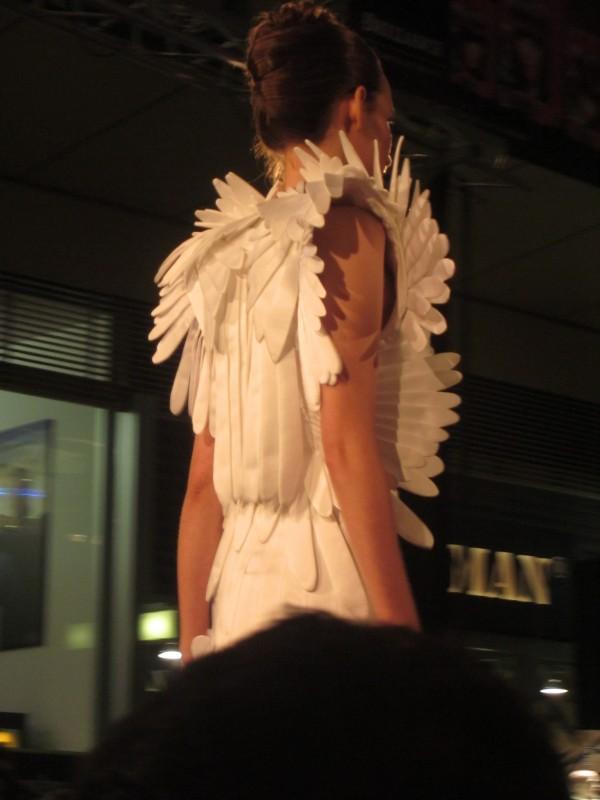 tyrkysove topanky 4 600x800 Brillance Fashion Talent 2011: A tma ho nepohltila