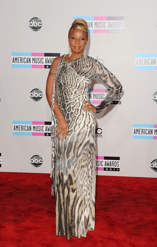 mary j blige amas 2011 red carpet 05 American Music Awards 2011: Veľa lesku i nevkusu