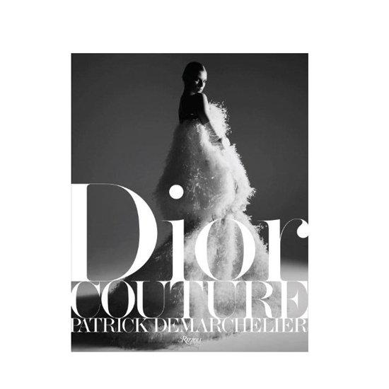Dior Couture Neviete, aký darček kúpiť? Darujte knihu