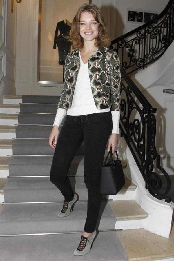427258 286972758024063 118197471568260 755783 213785122 n Celebrity z prvého radu: Ktorá sa obliekla na jarnom Haute Couture Week 2012 najlepšie?
