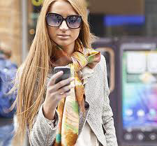 zena s telefonom21 10 zaujímavých mobilných aplikácií
