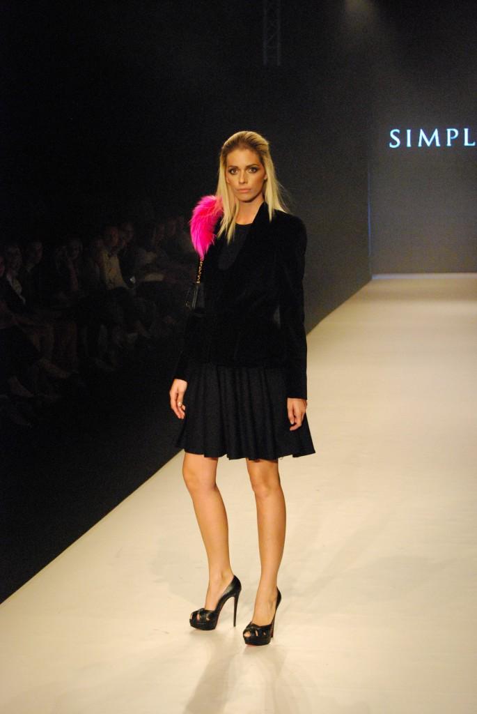 simple 685x1024 Bratislava Fashion Weekend 2012   deň prvý
