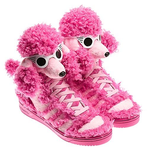 Q23499 06  Adidas Originals 2013 : swag ulice s ružovým pudlíkom