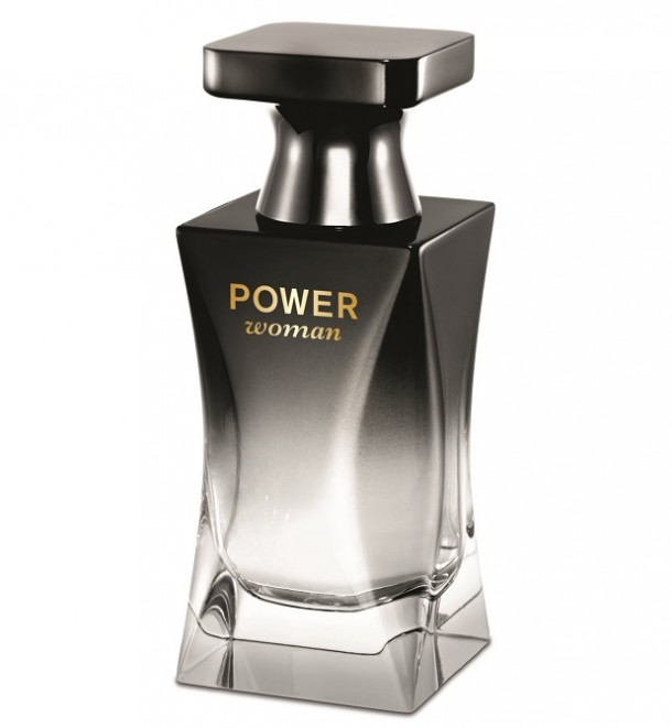oriflame11 610x661 Skúsili sme: vôňa Power woman a lesk Power Shine Juicy od Oriflame