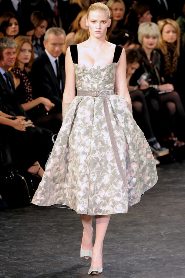 00170fullscreen 610x914 Najlepšie fashion show momenty Louis Vuitton