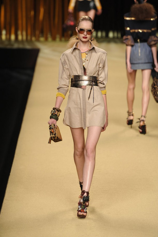 00180fullscreen1 610x914 Najlepšie fashion show momenty Louis Vuitton