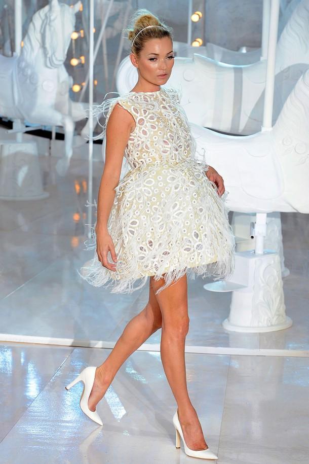 louis vuitton rtw spring2012 runway 048 093603703660 610x915 Najlepšie fashion show momenty Louis Vuitton