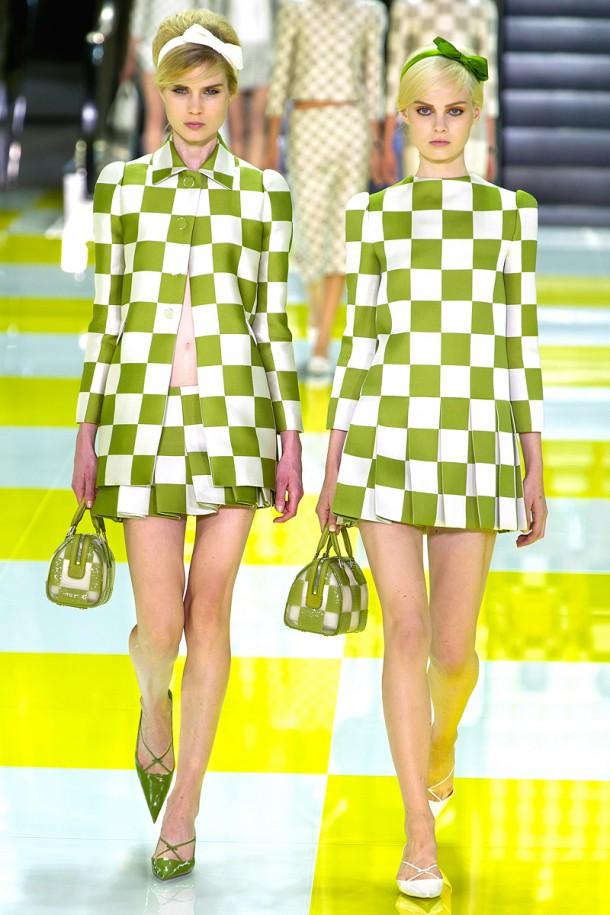 louis vuitton rtw ss2 2013 runway 006 114531702900 610x915 Najlepšie fashion show momenty Louis Vuitton