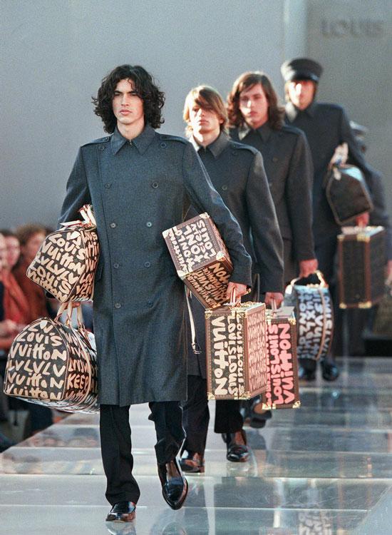 marc jacobs louis vuitton ss2001 Najlepšie fashion show momenty Louis Vuitton