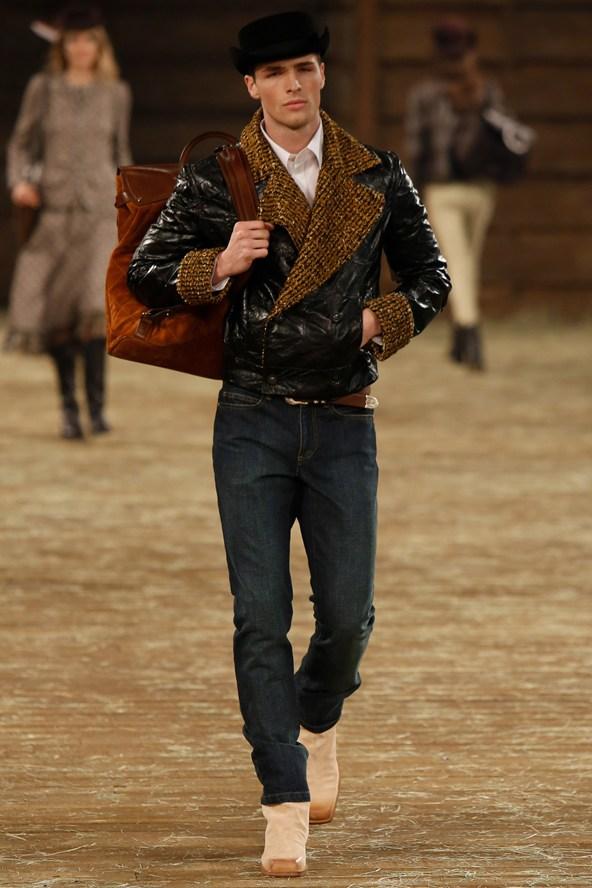 Chanel 008 2000 592x888 Kristen Stewart si zahrá kovbojku v štýle Chanel