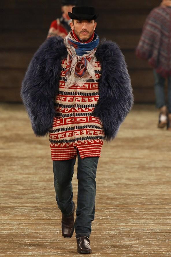 Chanel 035 2000 592x888 Kristen Stewart si zahrá kovbojku v štýle Chanel