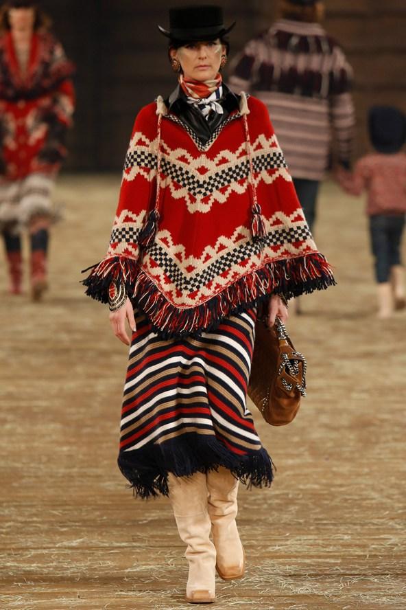 Chanel 036 2000 592x888 Kristen Stewart si zahrá kovbojku v štýle Chanel