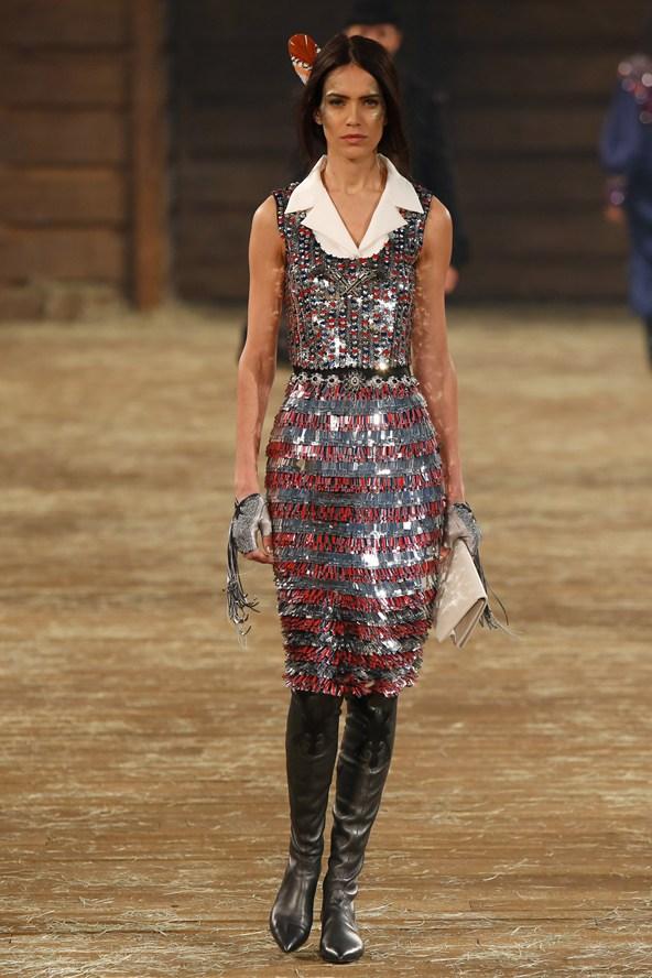 Chanel 064 2000 592x888 Kristen Stewart si zahrá kovbojku v štýle Chanel